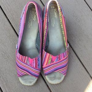 Toms Shoes - Preloved Toms wedges